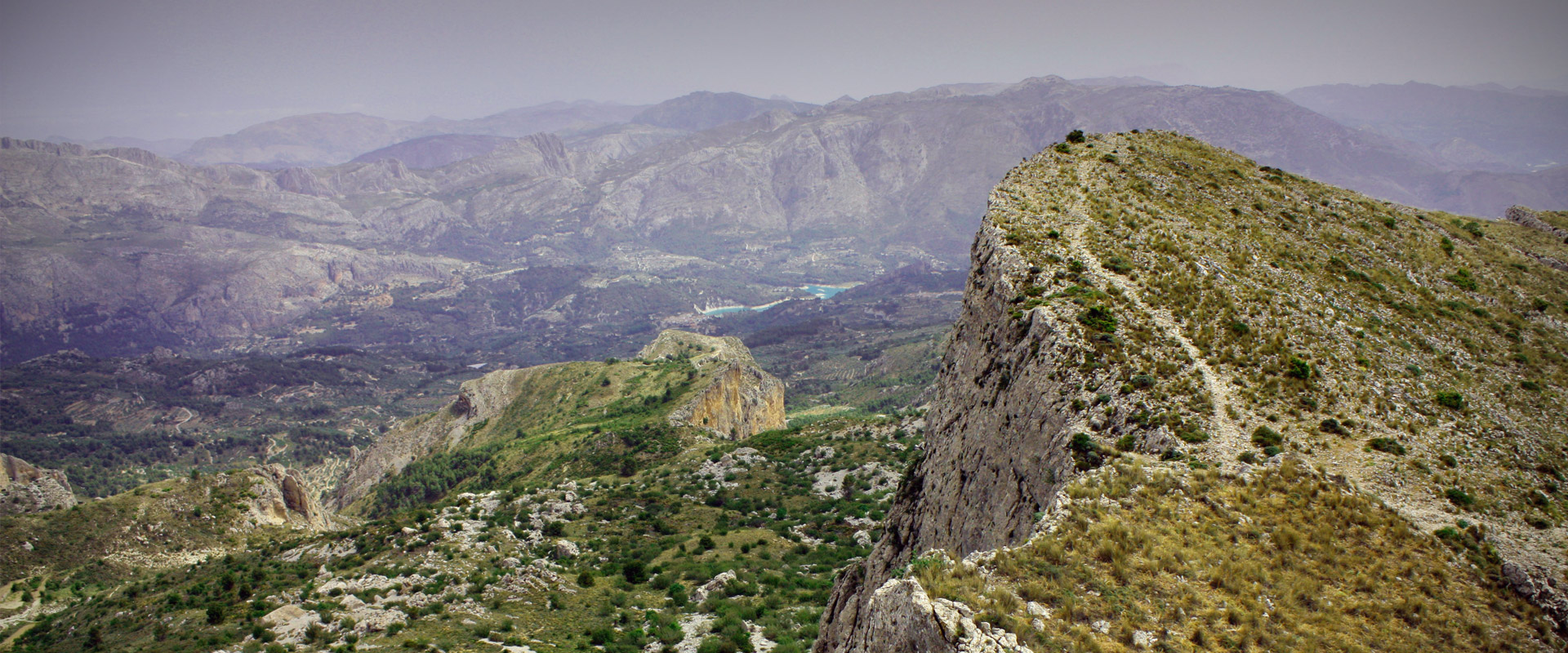 Paths in Aitana Mountain with views of the Guadalest Valley
