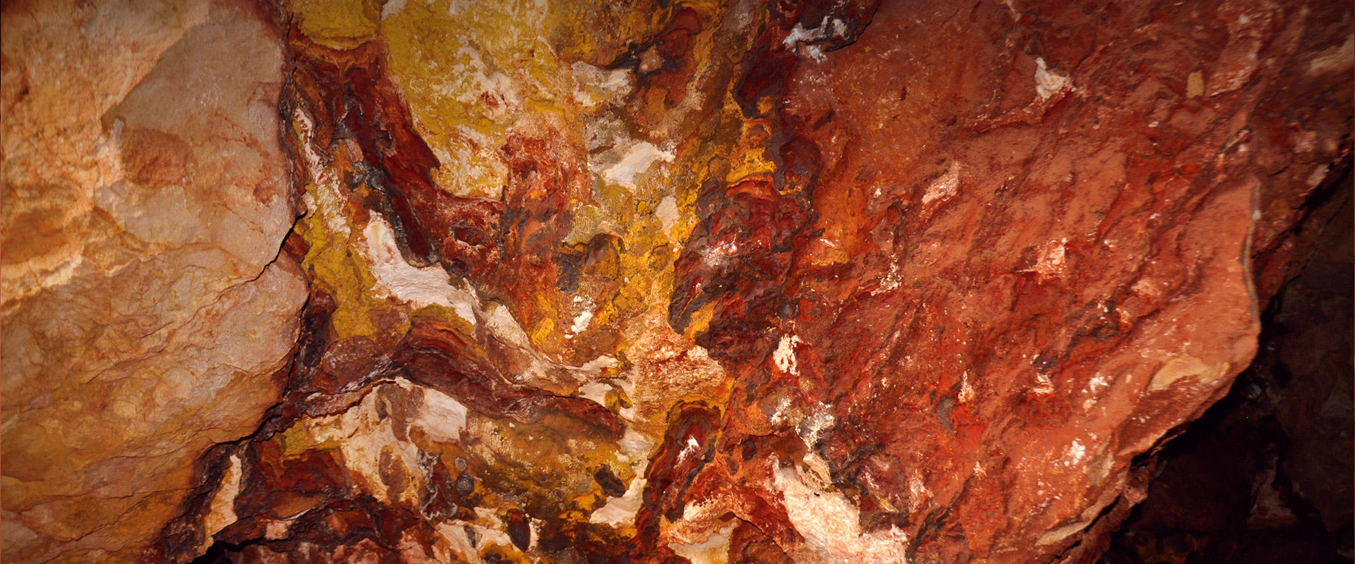 Ocher in the mines of Albir